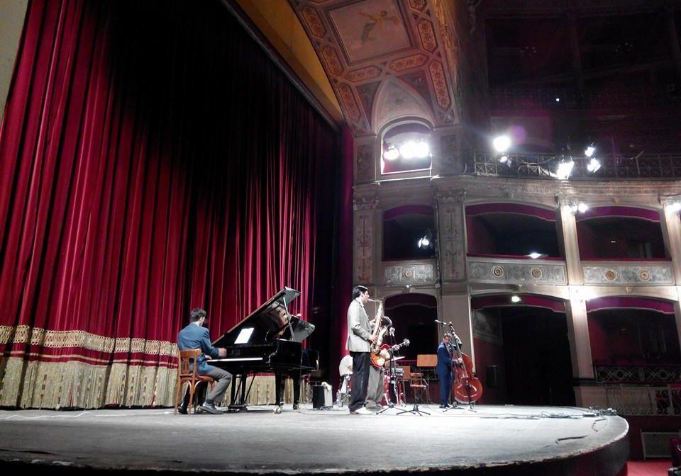 HalfChicken - Teatro Politeama